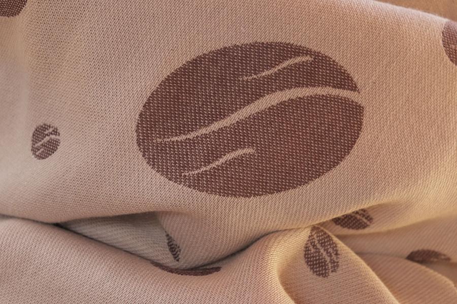 """Nosící šátek bavlněný """"Zrnka kávy"""" na béžové osnově s hnědou a béžovou"""