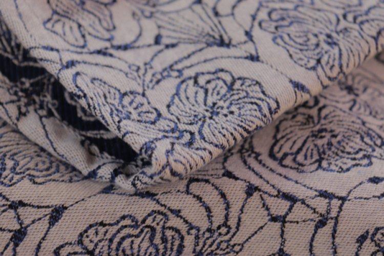 """ŠÁTKY Nosící šátek > Nosící šátek bavlněný """"Květy"""" na režné osnově s černým a modrým útkem"""