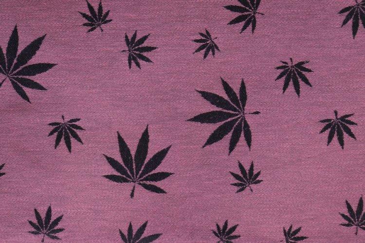 """ŠÁTKY Nosící šátek > Nosící šátek """"Listy"""" na černé osnově s růžovým konopím"""