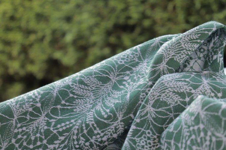 """ŠÁTKY Nosící šátek > Nosící šátek bavlněný """"Obilí"""" na bílé osnově se zeleným útkem"""